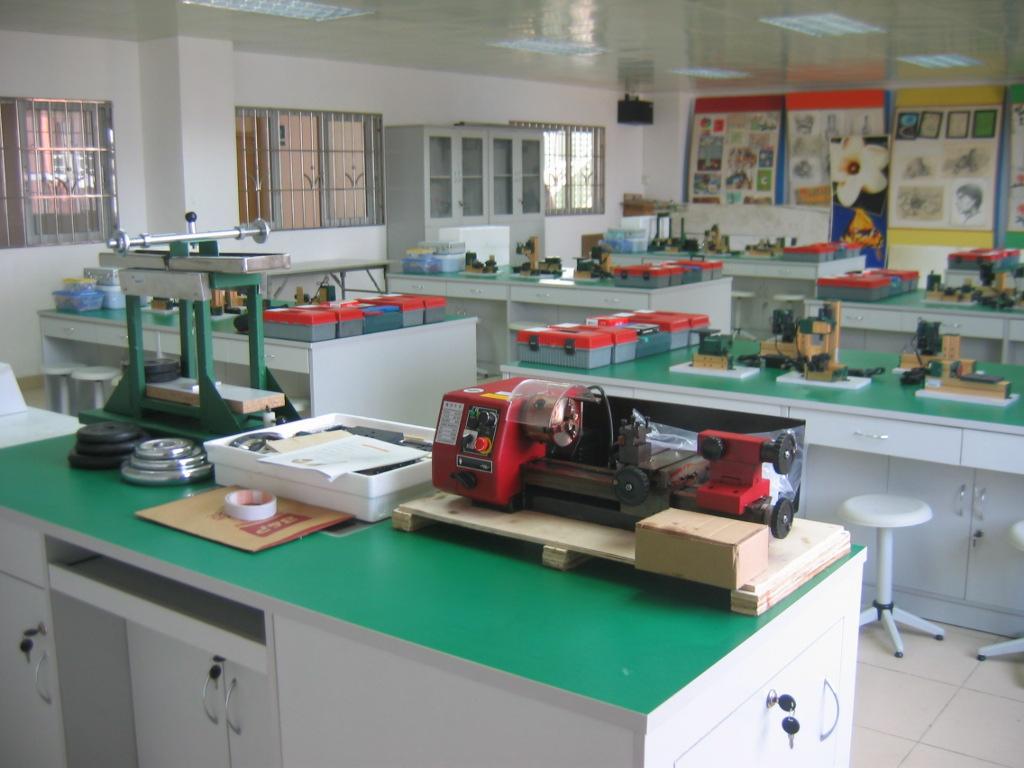 高中通用技术实验室设备建设案例-2010年通用技术实验